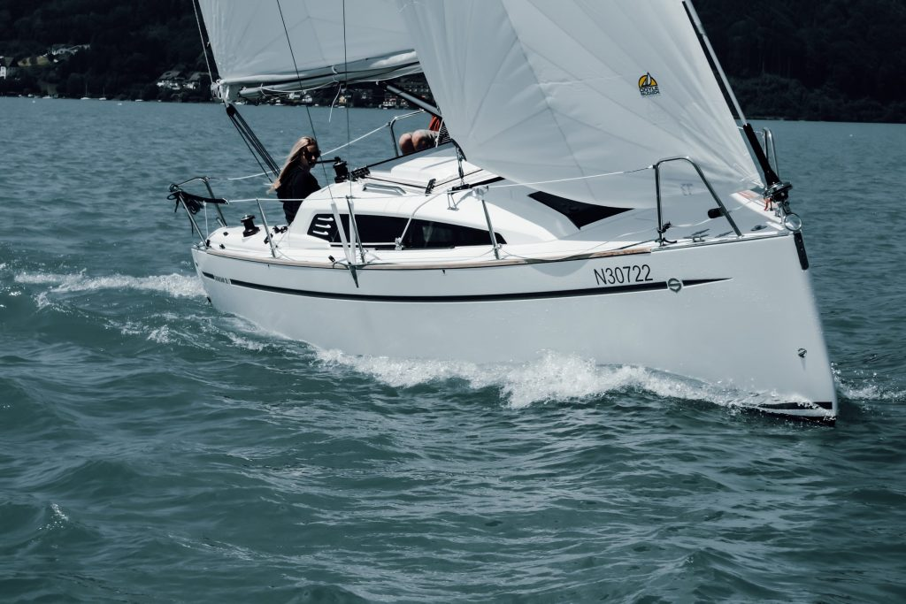 Yacht Sunbeam 28.1 - sailing yacht on the water